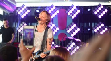 Rove & Sam host Keith Urban on Word Famous Rooftop in Sydney